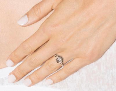 Fabulous Gold Diamond Vintage Engagement Ring