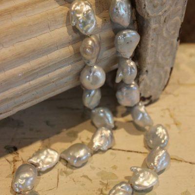 fresh water barock necklace 1