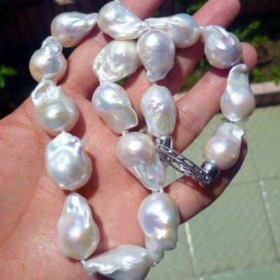 fresh water barock necklace